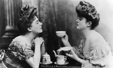 gibson-girls-miss-carlyle-and-miss-clarke-take-tea-gibson-news-photo-1575915000.jpg